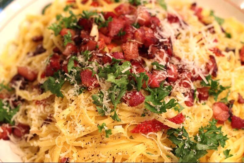 Linguine à l'ail et aux tomates séchées
