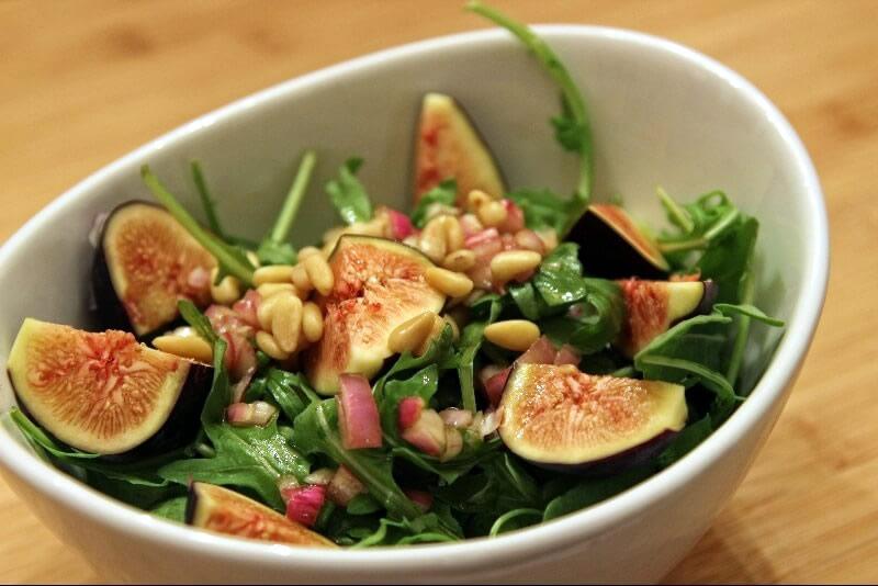 Salade de roquettes aux figues fraîches