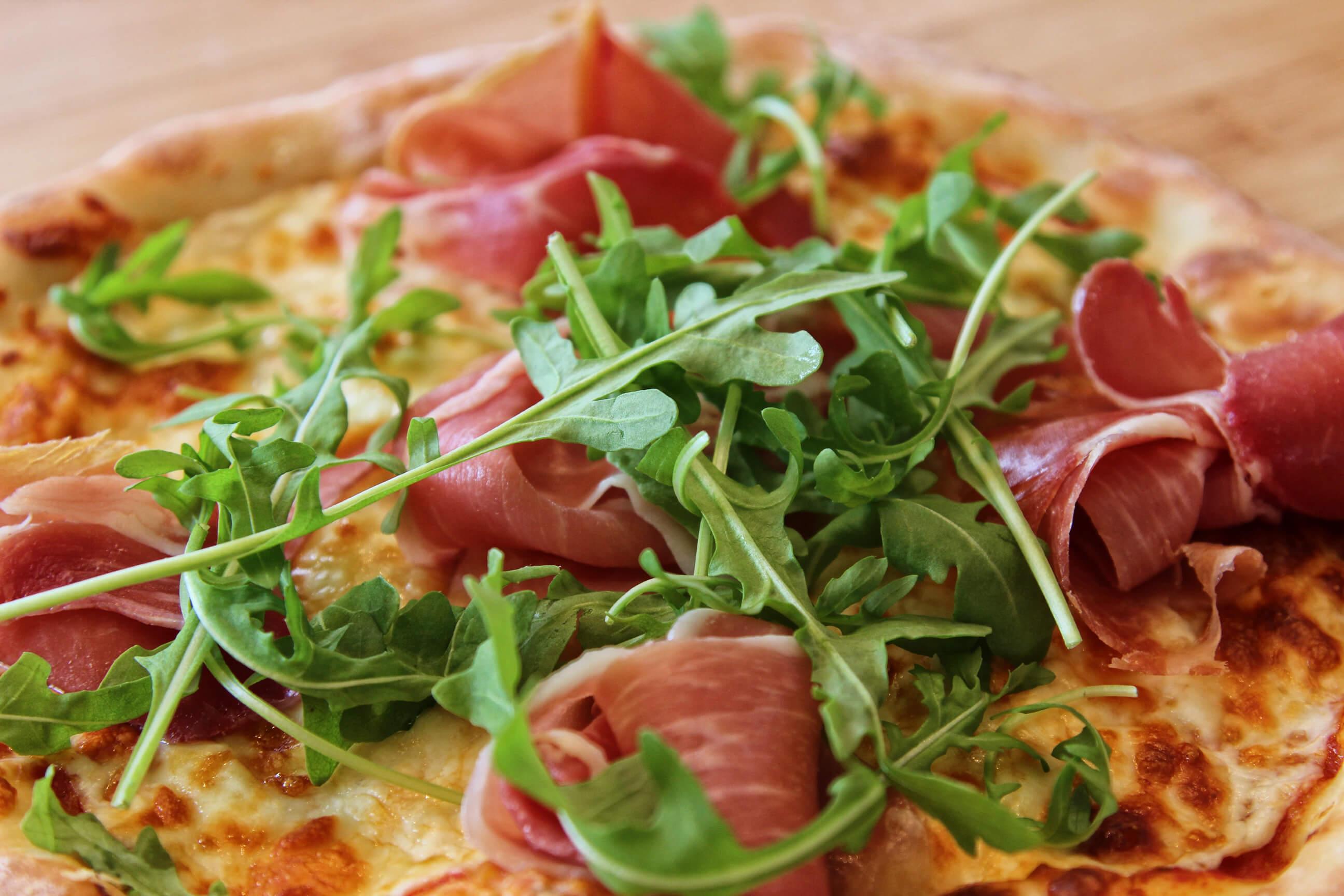 Pizza au Prosciutto
