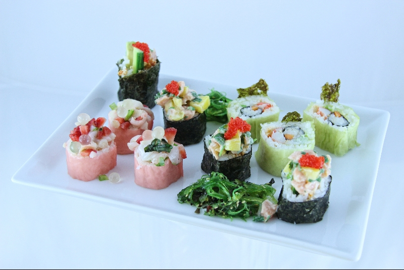 Tartare pour sushi aux pétoncles, fraises et litchis