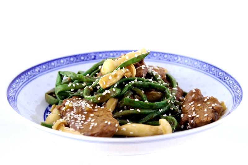 Porc ou bœuf aux haricots longs à la chinoise