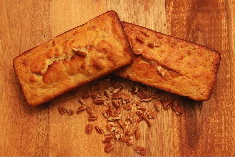 pain aux bananes, miel et pacanes