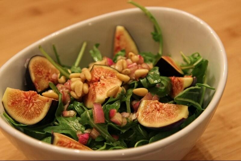 salade de roquettes aux figues fraiches