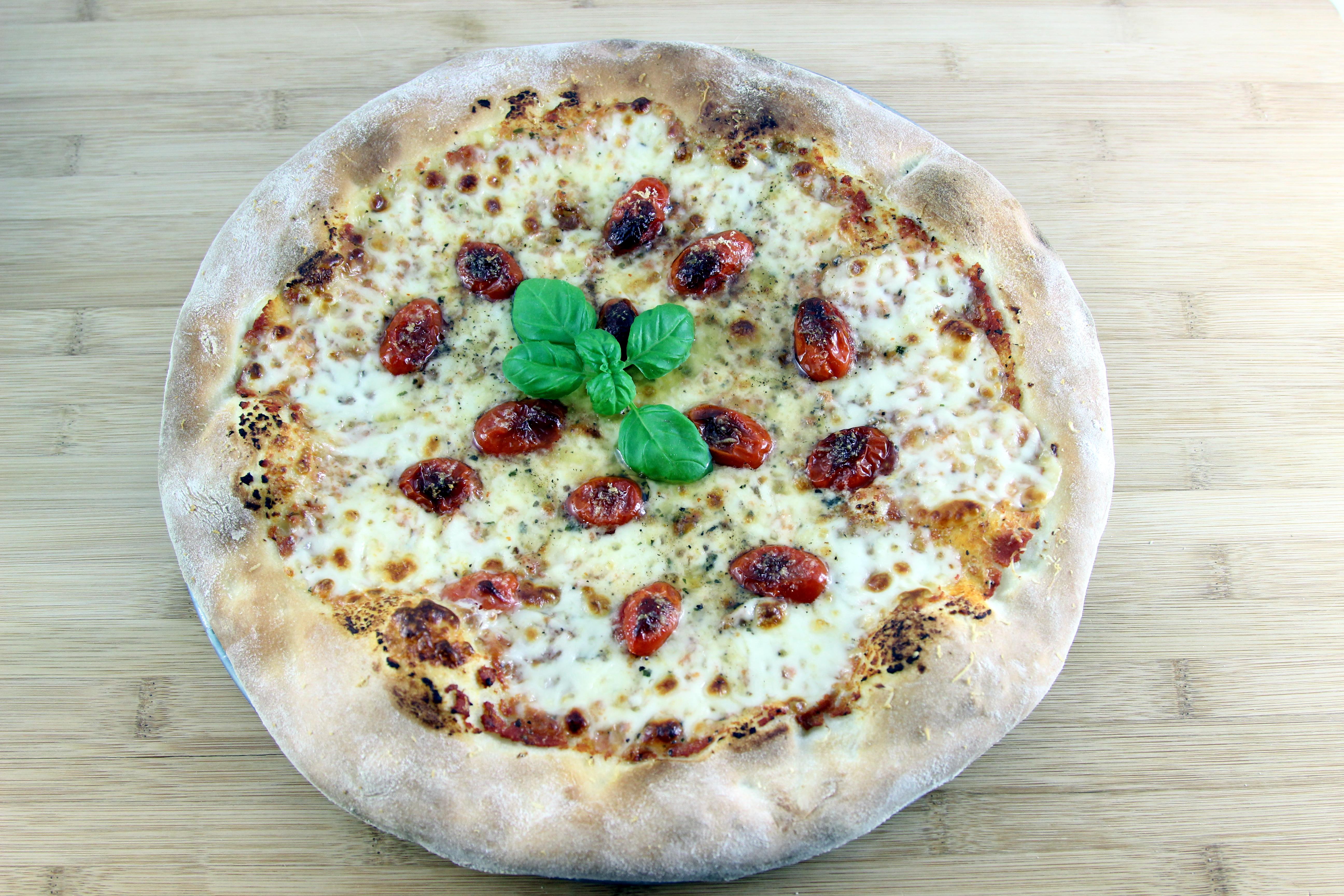 Pizza Tomates et Basilic