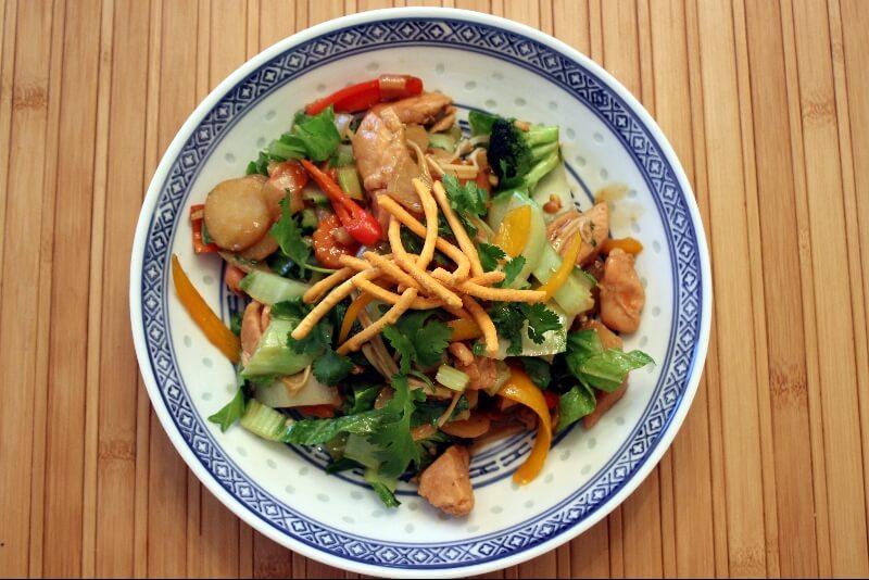 Sauté au poulet et légumes