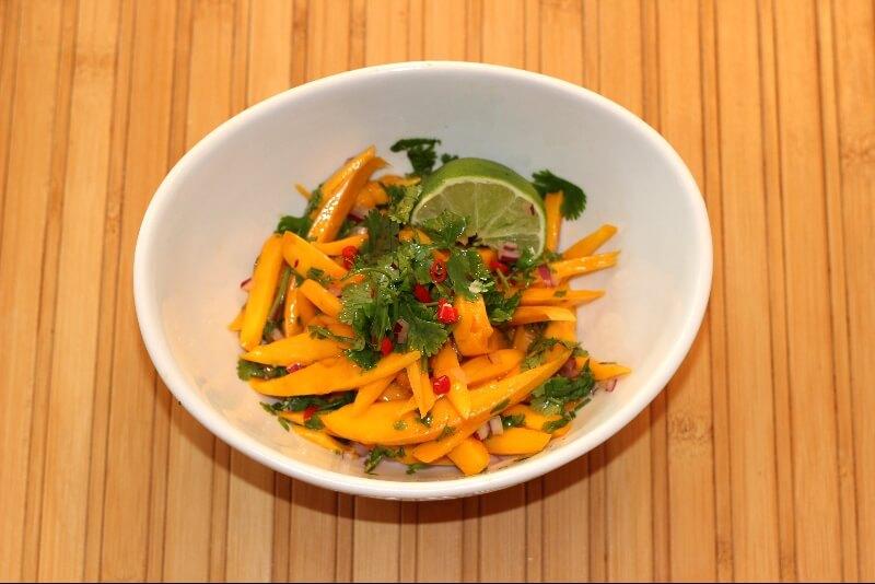 Salade de mangue asiatique